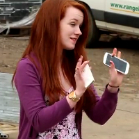 Samsung-Galaxy-S-III-vs-Apple-iPhone-4S-drop-test-is-for-real-video