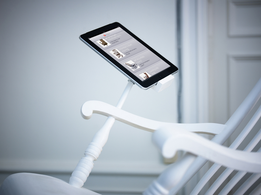 iRock-rocking-chair-with-iPad-charging-dock