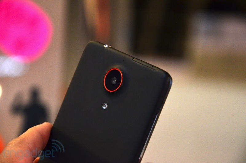 nubia-z5-hands-on2012-12-26-19