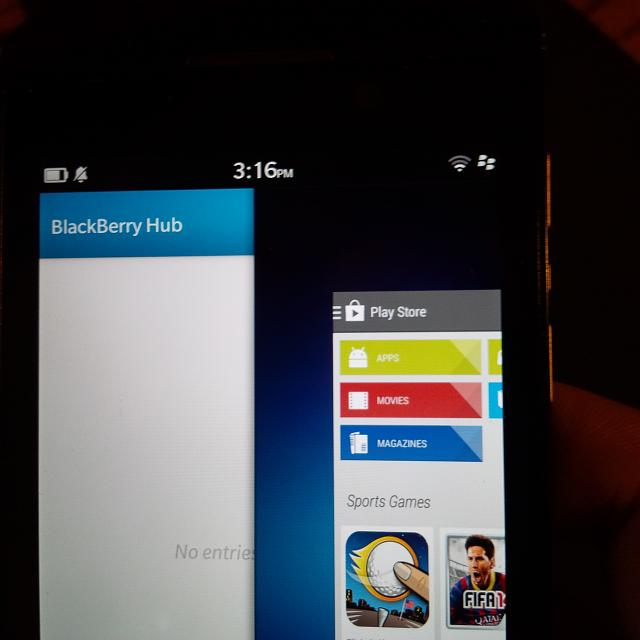 Leaked-screenshots-show-the-Google-Play-Store-running-on-BlackBerry-10.2 (2)