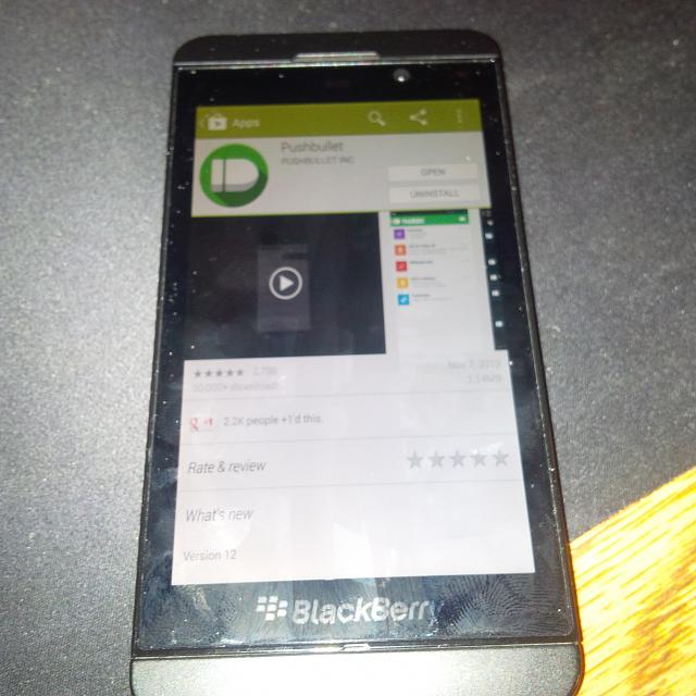 Leaked-screenshots-show-the-Google-Play-Store-running-on-BlackBerry-10.2 (3)
