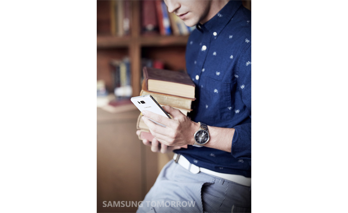 Galaxy-Alpha-lifestyle-photos (4)