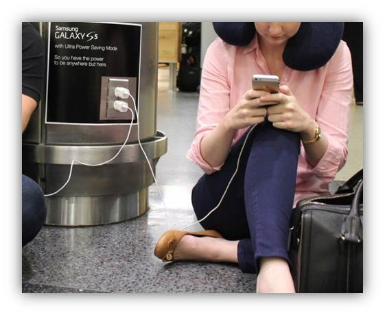 Samsung-Galaxy-S5-Ultra-Power-Saving-Mode-airport-ads-01
