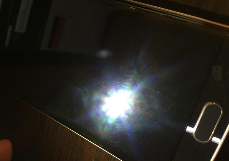 Samsung-Galaxy-S6-edge-arrives-in-damaged-condition (1)