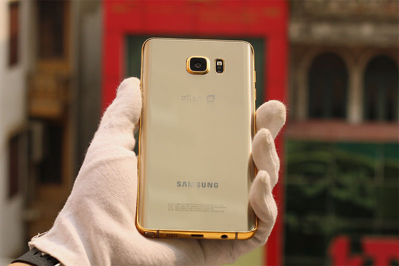 The-gold-plated-Samsung-Galaxy-Note5 (1)