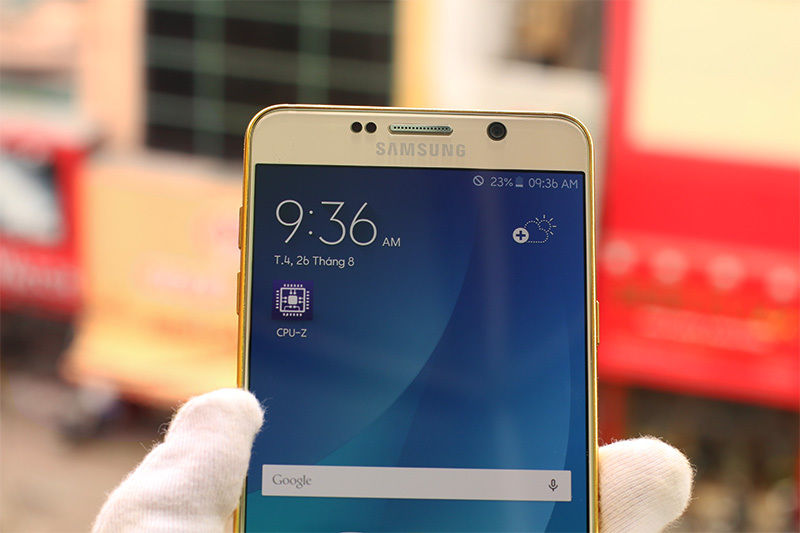 The-gold-plated-Samsung-Galaxy-Note5 (3)