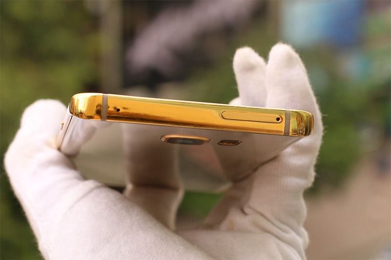 The-gold-plated-Samsung-Galaxy-Note5 (8)