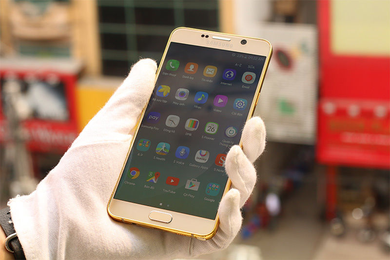 The-gold-plated-Samsung-Galaxy-Note5