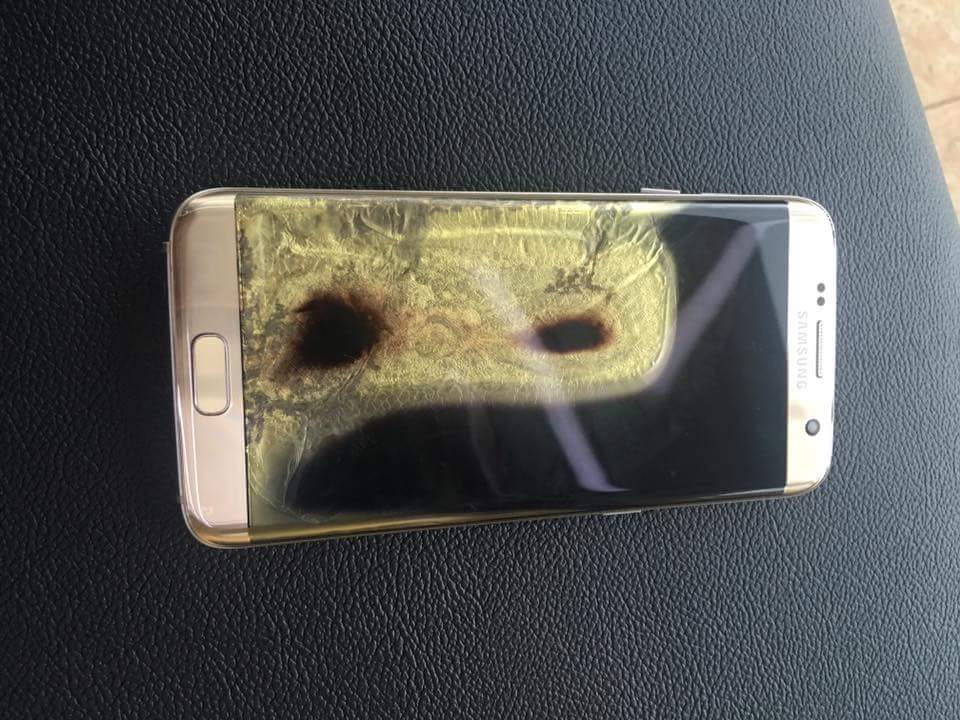 a-samsung-galaxy-s7-edge-catches-on-fire-in-the-philippines-7