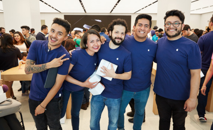 apple-opens-its-first-physical-store-in-mexico